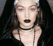 Thumb_hbz-the-list-fall-lip-looks-black-out
