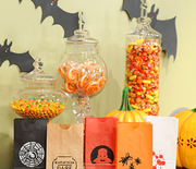 Thumb_6016_092810_treat_bags_hd