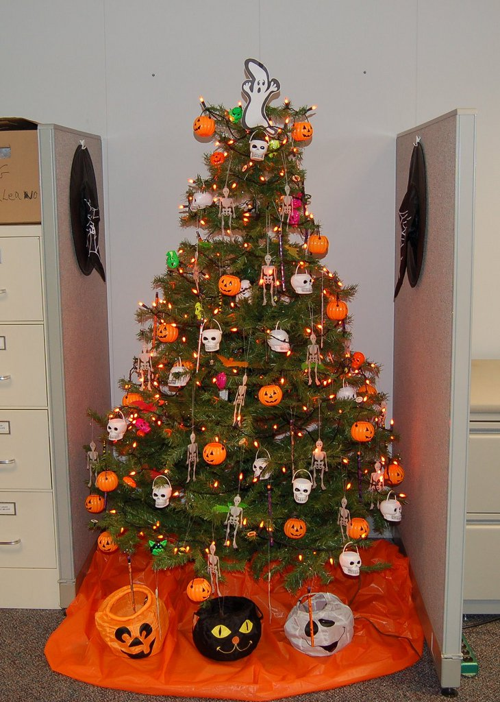 Halloween Christmas Tree.Halloween Christmas Trees Pinlavie Com