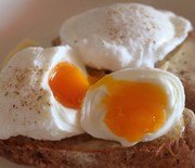 Thumb_how-to-poach-eggs_2
