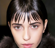 Thumb_8-life-saving-styling-tips-for-girls-with-bangs-1603236.640x0c