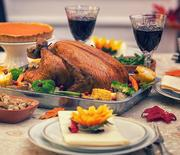Thumb_thanksgiving-dinner-table-main-1000