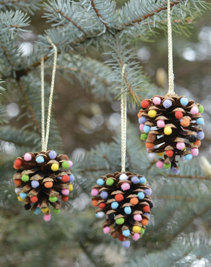 Pretty christmas decor and ornaments you can make yourself for Christmas decoration ideas to make