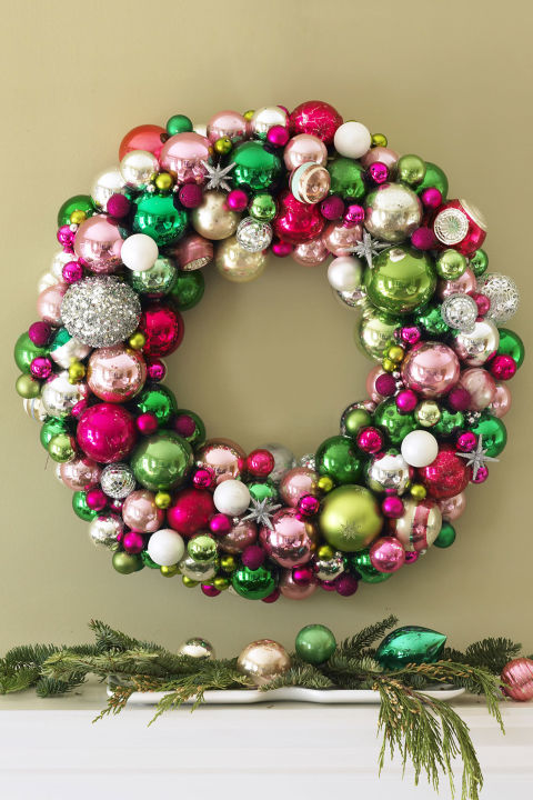 Gallery-550043320c13e-ghk-ornament-wreath-s2