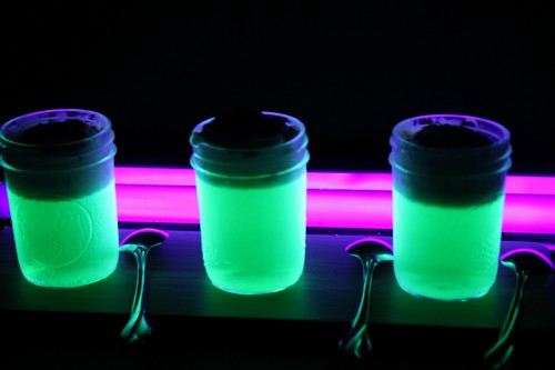 Glow in the dark JELL-O is not only a fun science project, but a super ...